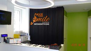 Litery i logo 3D bez podświetlenia: Centrum Ortodontyczne Rock Your Smile
