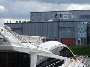 Montaż, serwis i naprawa elementów reklamowych: Galeon