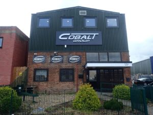 Reklama świetlna – Litery i logo 3D podświetlane LED: Cobalt Group, Wielka Brytania