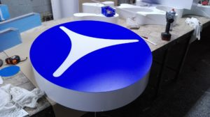 Reklama świetlna – Litery i logo 3D podświetlane LED: KFTP