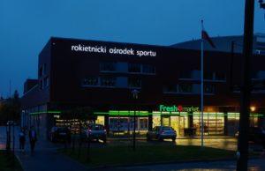Reklama świetlna – Litery i logo 3D podświetlane LED: Rokietnicki Ośrodek Sportu