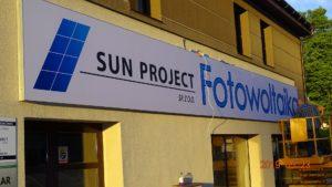 System napinanego lica – Reklamy wielkoformatowe: Sun Project Fotowoltaika
